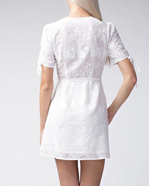 honey punch - short sleeve embroidered wrap dress - white