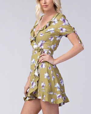honey punch - short sleeve floral ruffle surplus dress - kiwi
