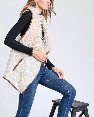 Open Front Sherpa Vest with Pockets in Natural