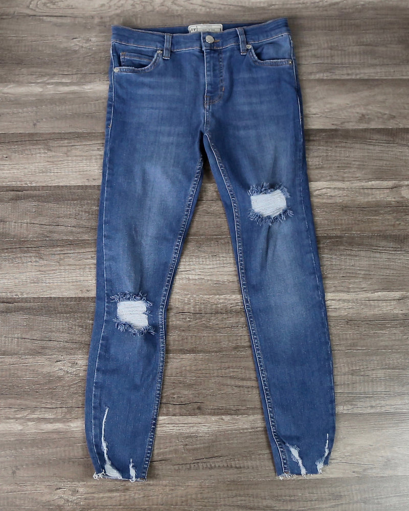 Free People - Shark Bite Raw-Hem Ripped Crop Skinny Jeans in Blue Sh/Blue