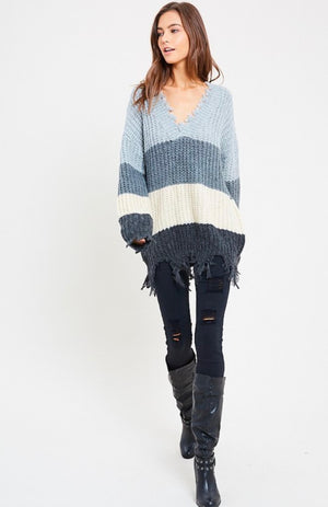 Color Blocked V-Neck Distressed Hem Sweater - Grey Combo