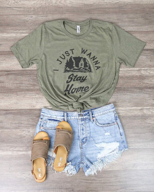 Distracted - I Just Wanna Stay Home Graphic Tee in Green