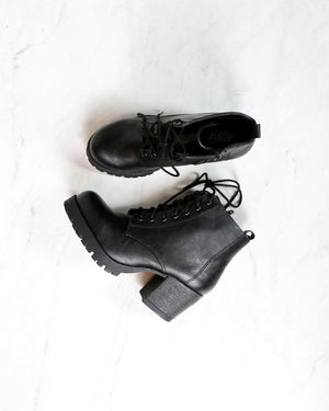 Faux Leather Lace Up Chunky Heel Combat Style Boots nevitt pu BLACK