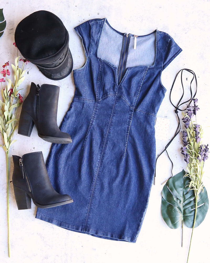 Free People - Lia Denim Bodycon Mini Dress in Blue