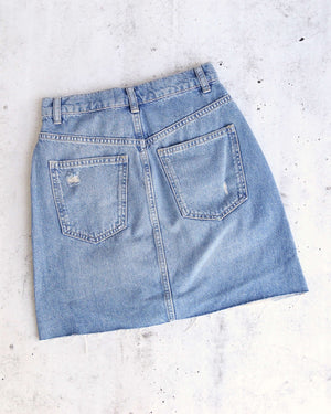 Free People Hallie Distressed Denim Skirt in Midstone