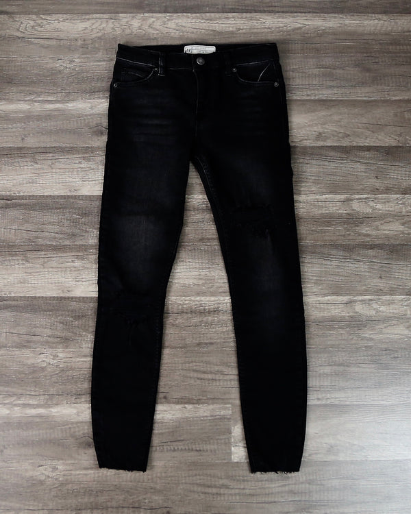 Free People - Shark Bite Raw-Hem Ripped Crop Skinny Jeans in Black