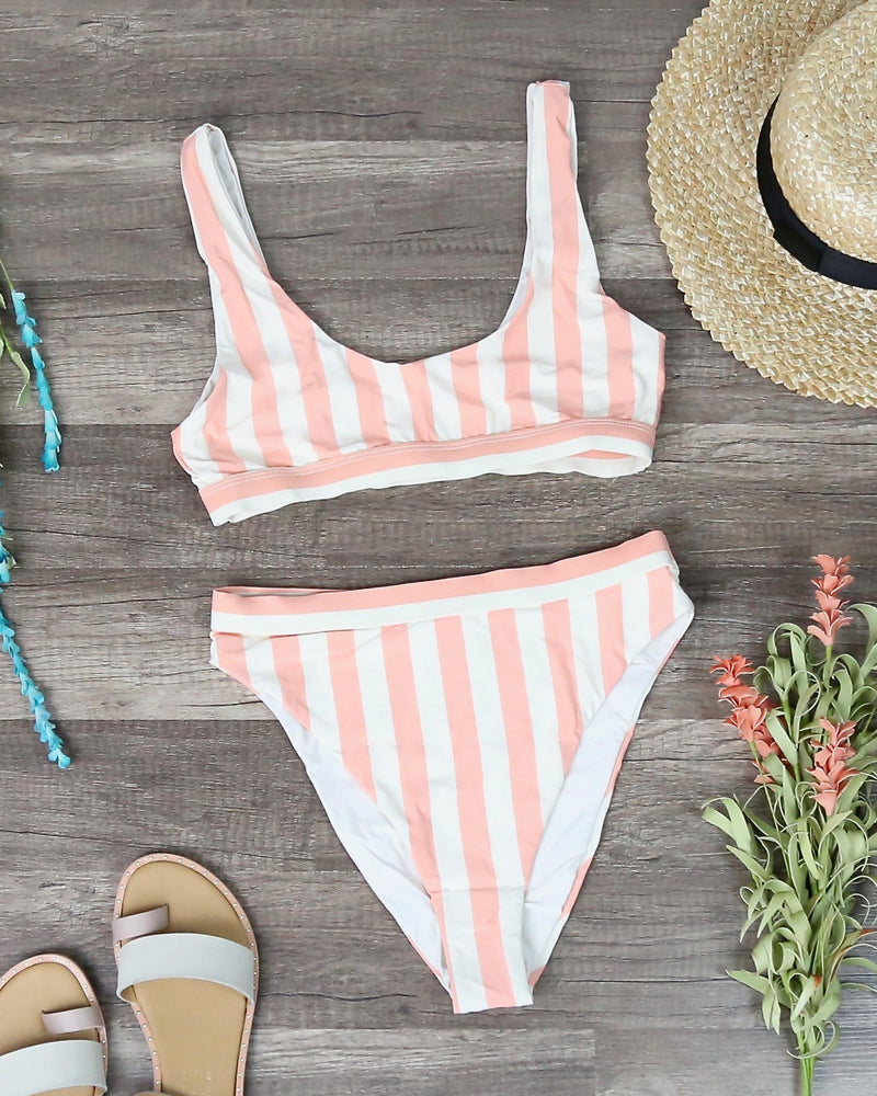 Dippin' Daisy's - Kylie Sporty Swim Top - Coral Stripes