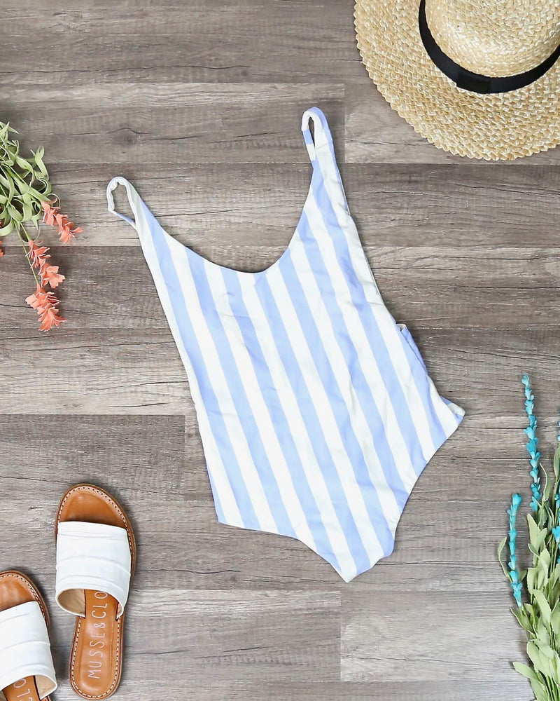 Final Sale - Dippin' Daisy - Seamless High Cut Vintage Thong One Piece - Sky Stripes