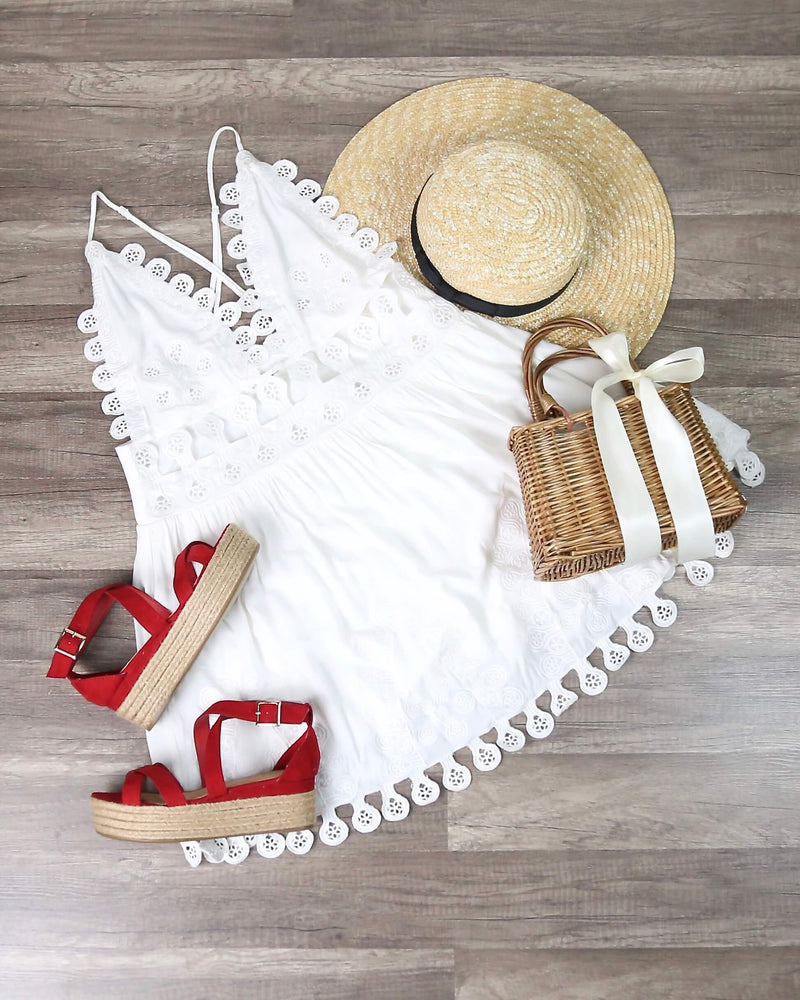 Honey Punch - Summer Lace Mini Dress in Coconut