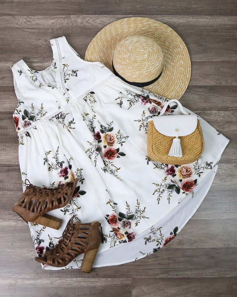 Floral Sleeveless Dress in Off White