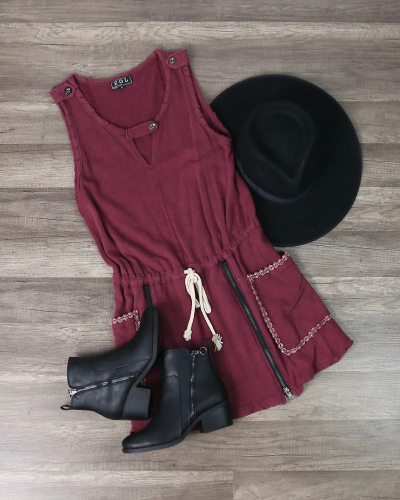 Casual And Comfy Drawstring Waist Dress in Burgundy