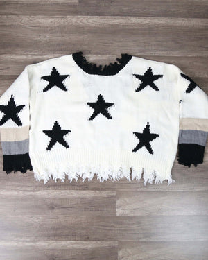 Distressed Hem Star Print Pullover Sweater in Ivory/Black