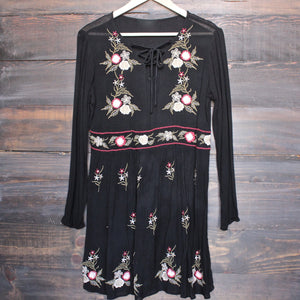 gauzy embroidered boho dress - black - shophearts - 1