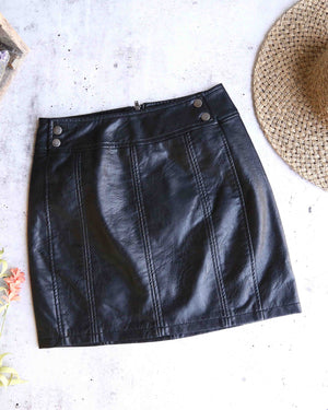 free people - mini retro bodycon vegan leather skirt - black
