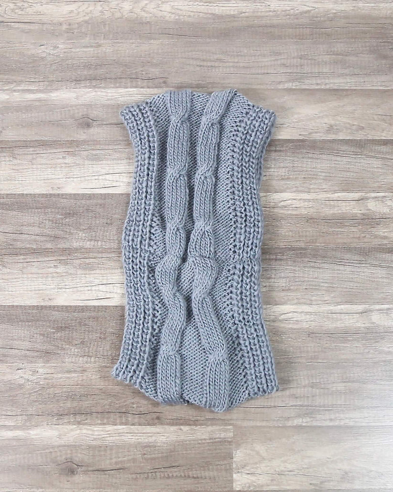 FINAL SALE - Chunky Braid Infinity Scarf in Grey