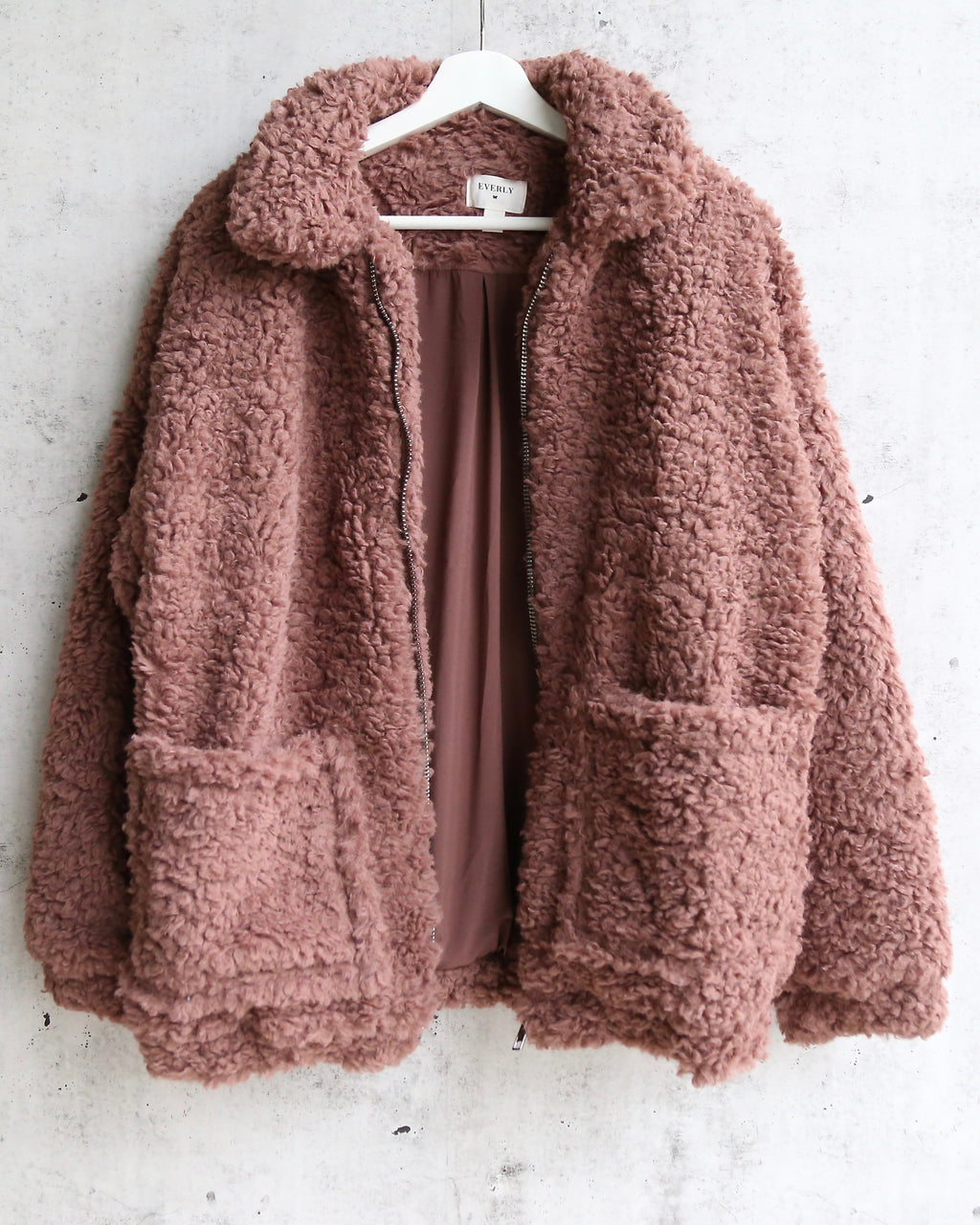 Everly - Glamorous Faux Sherpa Teddy Coat in Mocha