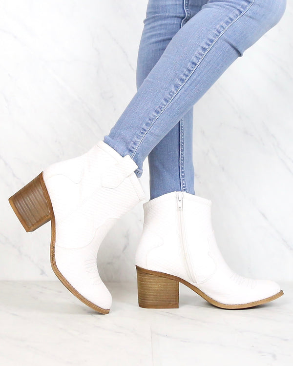 Dirty Laundry - Unite Snake Ankle Booties in White