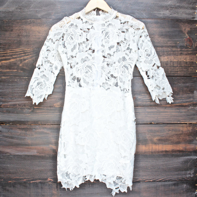 Lioness killer lace dress in white - shophearts - 1