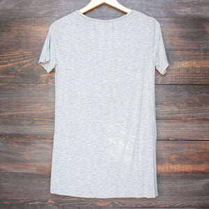 tease me oversize soft v neck tshirt in grey - shophearts - 2