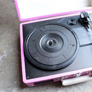 Crosley Cruiser Portable Turntable in pink - shophearts - 5