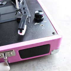 Crosley Cruiser Portable Turntable in pink - shophearts - 4