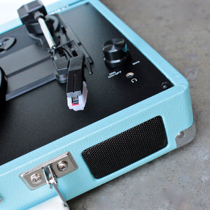 Crosley Cruiser Portable Turntable in turquoise - shophearts - 4