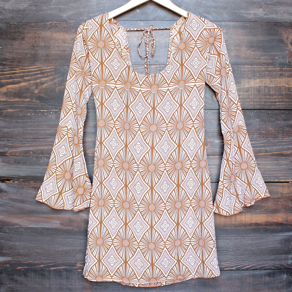 YIREH hawaii maize bell sleeve dress in sand dollar - shophearts - 1