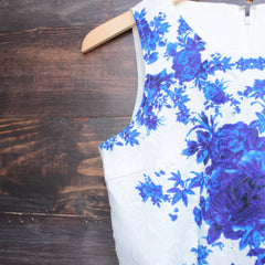 porcelain print embossed sleeveless dress in white and navy - shophearts - 3