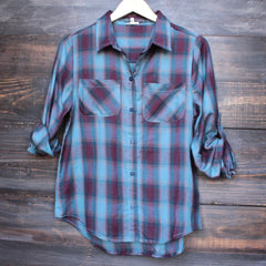 city strut button up plaid flannel shirt - shophearts - 1
