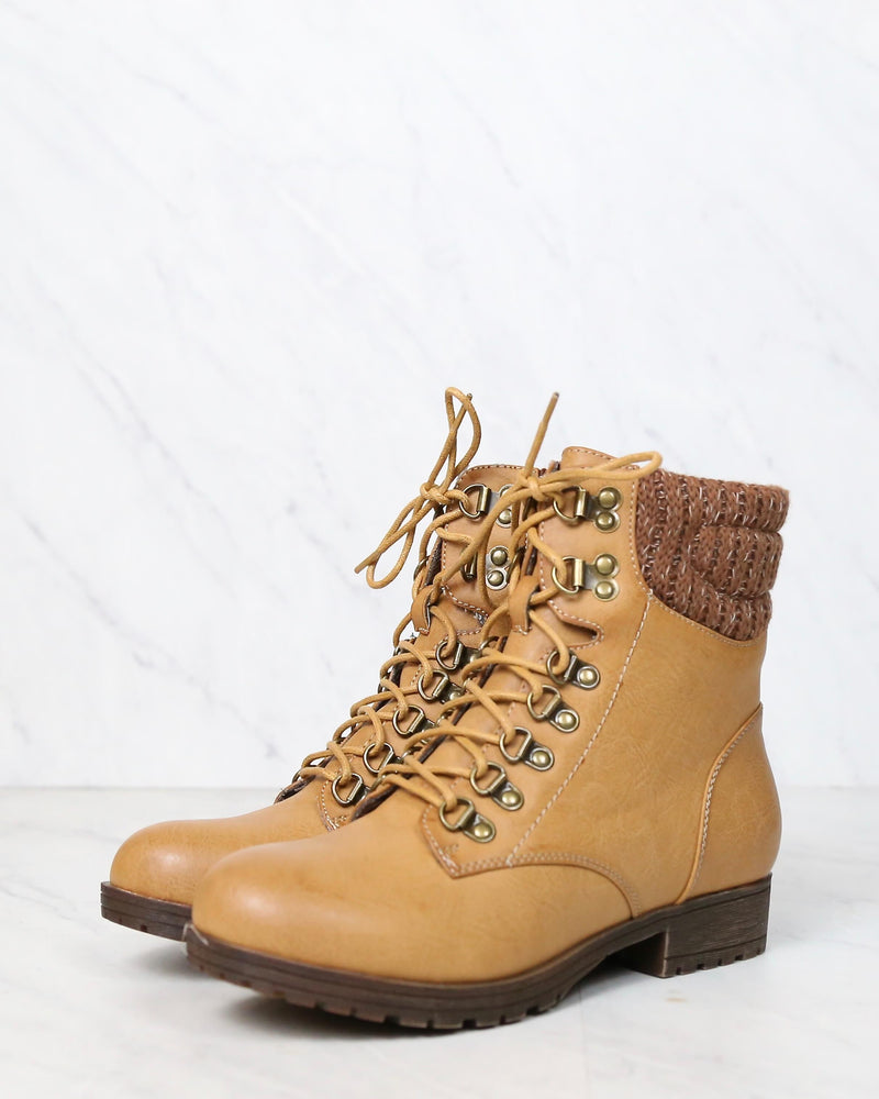 Final Sale - Sierra Falls Boots in Tan