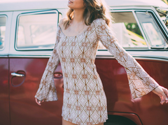 YIREH hawaii maize bell sleeve dress in sand dollar - shophearts - 6