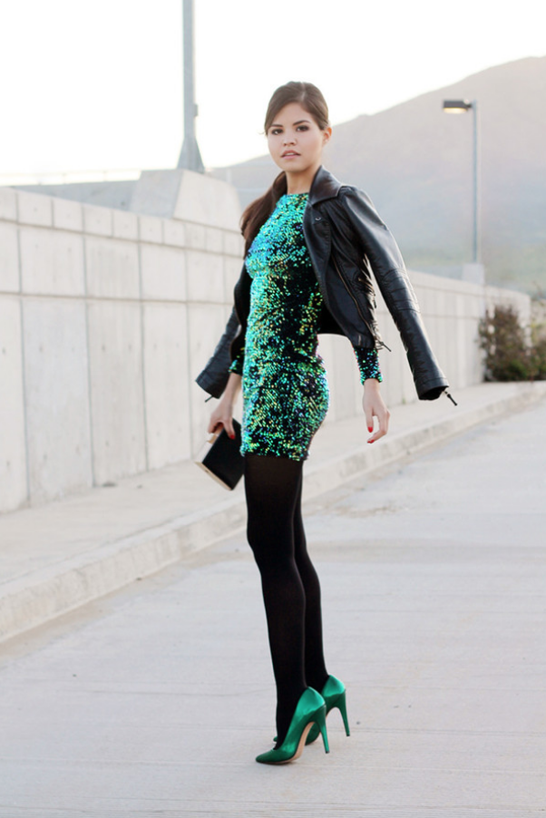 15af7f093d motel - DELUXE Gabby Sequin Plunge Back Dress in Iridescent Green -  shophearts - 6