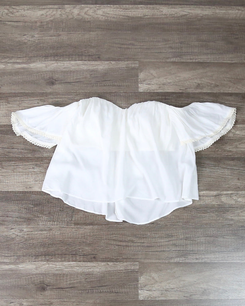 Boho Chic Off The Shoulder Crop Top in White