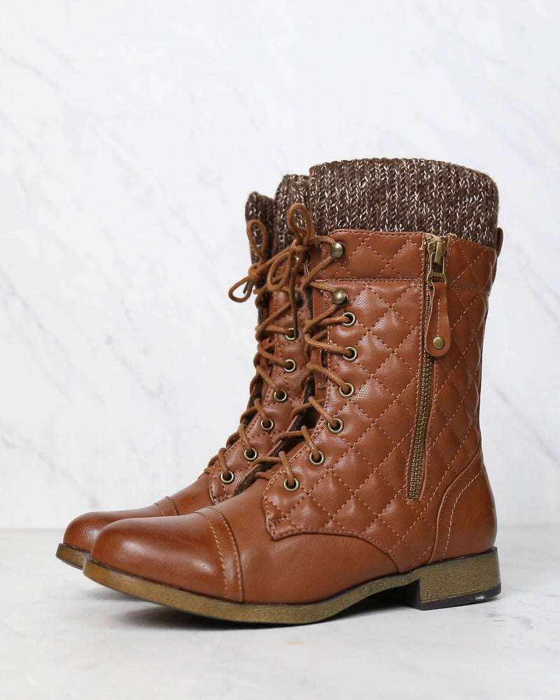 Chase & Chloe - Alpine Quilted Combat Sweater Boots