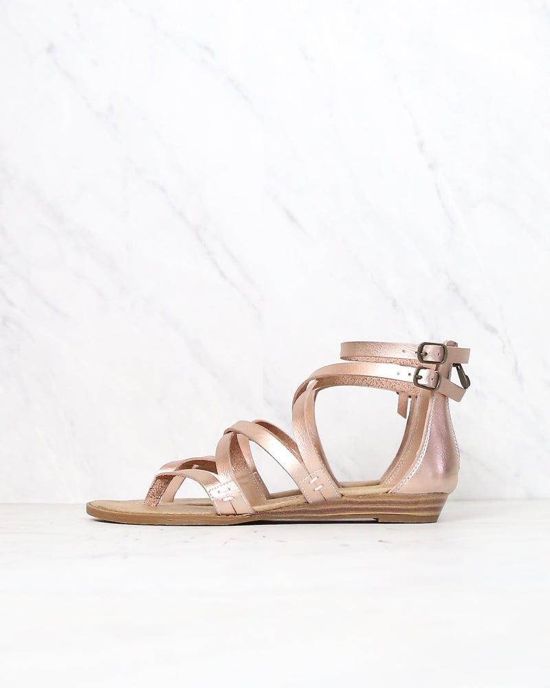 Final Sale - Blowfish - Women's Bungalow Wedge Sandal in Rose Gold