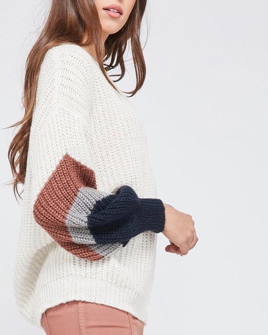 colorblock sleeved chunky knit v-neck sweater - ivory/brick