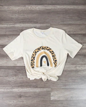 Distracted - Leopard Rainbow Graphic Tee in Cream