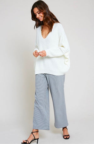 eight letters v neck oversized knit sweater in cream