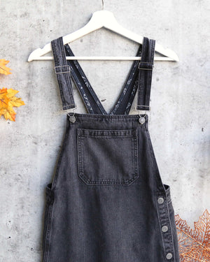 Free People - Louise Denim Skirtall in Rocky Mountain Black