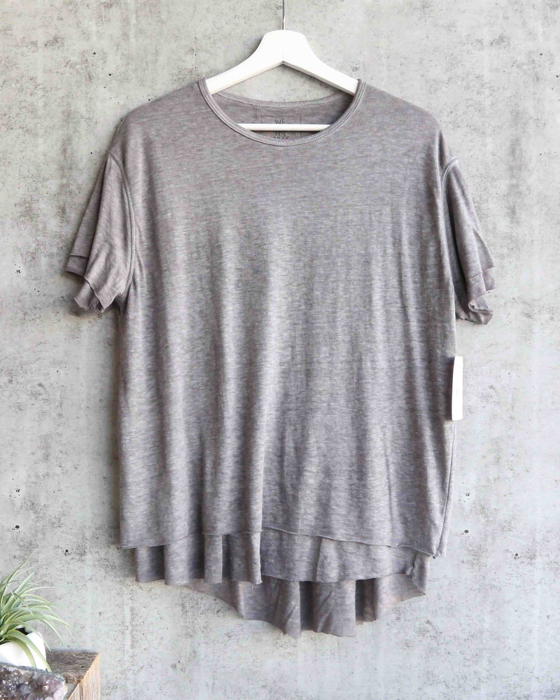 free people - we the free - cloud 9 frayed hem knit tee - heather grey