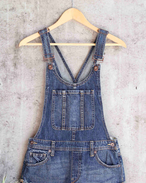 Free People - Summer Babe High Low Distressed Denim Short Overalls in Medium Wash Blue