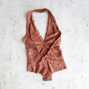 Scalloped Floral Lace Bodysuit in More Colors