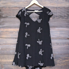 embroidered flowy dress - black