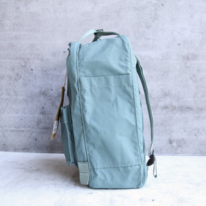 Fjallraven - Kanken Classic Backpack in More Colors