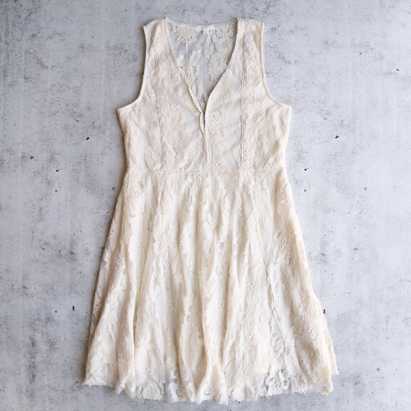 So Baroque About You Romantic Sleeveless Lace Dress in More Colors