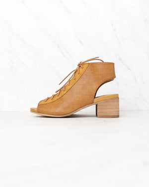 sbicca footwear - hogan minimal lace up heel in tan