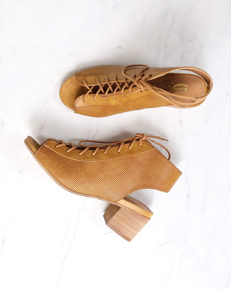 Sbicca - Hogan Minimal Lace Up Heel in Tan