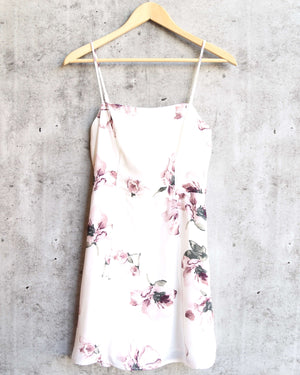 honey punch - white floral mini dress