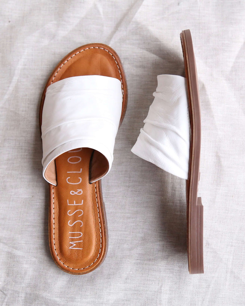 Musse & Cloud - Kennice Mule Flat Sandal in Leather White