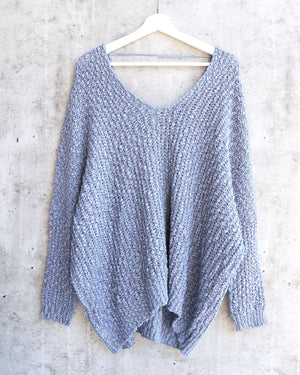 Popcorn Textured V-neck Knit Sweater Pullover in Misty Blue